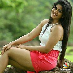Megha Akash Bollywood Cinema, Indian Bollywood Actress, Bollywood Photos, Beautiful Bollywood Actress, Telugu Cinema, Hindi Actress, Tamil Actress Photos, Megha Akash, Thunder Thighs