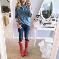 """""""This weather is not the best for moving! It has been raining all day. My last selfie in this house  bittersweet! I am waiting for Andi to wake up so we…"""""""