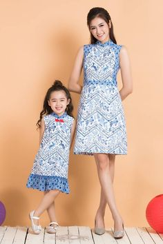 Mom And Baby Outfits, Mother Daughter Outfits, Matching Family Outfits, Baby Girl Frocks, Frocks For Girls, Girls Dresses, Lovely Dresses, Simple Dresses, Cheongsam Modern