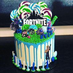Fortnite drip cake with lollipops 9th Birthday Cake, 9th Birthday Parties, Birthday Fun, Birthday Party Decorations, Birthday Ideas, Theme Mickey, Cupcakes, Drip Cakes, Themed Cakes