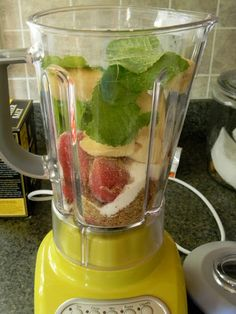 Eat Good 4 Life: Strawberry, Banana, mint and Flax Seed Smoothie. Delicious and nutritious. Juice Smoothie, Smoothie Drinks, Healthy Smoothies, Healthy Drinks, Smoothie Recipes, Morning Smoothies, Healthy Food, Healthy Habits, Healthy Choices