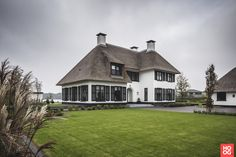 Laat je inspireren door het project: Luxe Villa in Arcen. Exclusieve foto's en het verhaal.