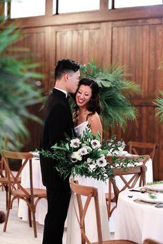Orange Blossom Bride | Orlando Wedding Blog #orlandowedding #cypresscreek #tropicalwedding Vintage Glam Looks, Black Tie Wedding, White Barn, Wedding Flowers, Wedding Dresses, Silk Gown, Orlando Wedding, Bride Look, Reception Table
