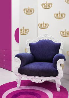 Wall stencils add the crowning touch! Wall Art Stencils | Queen Crown Stencil | Royal Design Studio