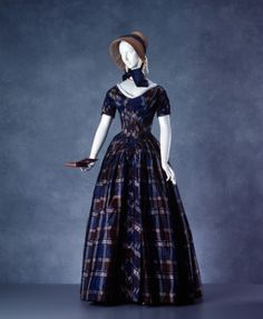 1840s day dresses are a fascination to me. (I don't know why. Must be something about the silhouette...)