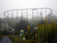 akakanonuma Greenland, Hobara, Japan (1973-1975; 1986-1999)  The Crumbling Chaos of Abandoned Amusement ParksExpand  First it closed after one or two seasons because few deaths in the park, but it reopened in 1986 and operated until 1999.