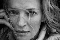 Rather than putting make-up on women before a photo shoot, German photographer Peter Lindbergh captures their natural beauty and doesn't retouch the pics.