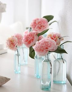 Carnations in bud vases for workshop rooms / individual hotel rooms Pink Roses, Pink Flowers, Pink Carnations, Fresh Flowers, Tea Roses, Exotic Flowers, Yellow Roses, Paper Flowers, Pretty In Pink