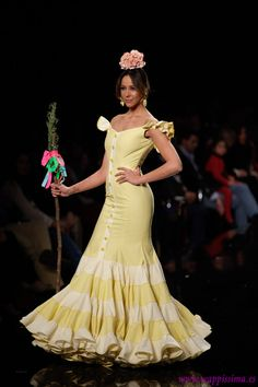 Sara de Bénitez en SIMOF 2014 Flamenco Costume, Maria Jose, Dress Skirt, Victorian, Costumes, Skirts, Clothes, Dresses, Fashion