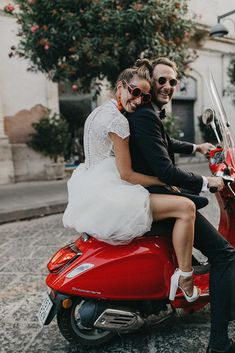 A beautiful and unconvetional wedding in Sicily, Italy, photographed by German destination wedding photographer Nancy Ebert. Edgy Wedding, Wedding Dress, Dream Wedding, Wedding Photographer Outfit, Destination Wedding Photographer, Sicily Wedding, Bride Poses, Wedding Photography Poses, Wedding Photo Inspiration