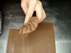 Chocolate Decoration ★ Chocolate Fans ★ - YouTube Modellező csokoládét vásárolj a Glazurshopban! http://shop.glazur.hu