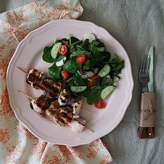 шашлык Russian Recipes, Meat, Chicken, Food, Meal, Eten, Meals, Buffalo Chicken, Cubs