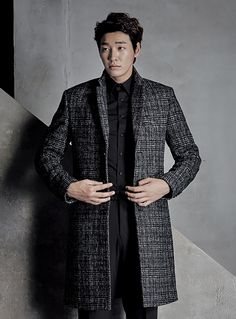 Young K-stars Joo Won and Kim Young Kwang are combining their sexy masculine appeal again for a GGIO² campaign. Have a look at them in the fashion brand's F/W 2015 collection … and mayb…