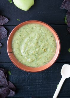 A twist on classic salsa verde: this roasted tomatillo apple salsa is perfect for chips and salsa. A great part snack too.
