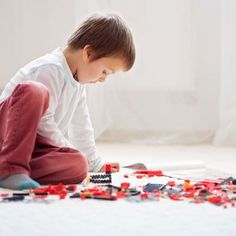 Have you ever wondered if you could take your child's obsession with LEGO and help him find engaging ways to learn while playing? If so, this is the article for you. Actionable tips that you can use to encourage and enhance your child's learning with LEGO Play Based Learning, Learning Through Play, Fun Learning, Games For Boys, Lego For Kids, Lego Activities, Fun Activities For Kids, Lego Design, Home