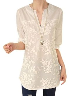 Floral Embroidery Tunic - A Thrifty Mom - Recipes, Crafts, DIY and more - New Ideas Blouse Styles, Blouse Designs, Blouse Patterns, Dress Designs, Shirt Embroidery, Floral Embroidery, White Tunic Tops, White Tops, Sewing Blouses
