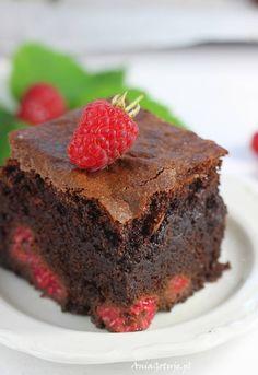 Brownie z malinami. Brownie with raspberries. Brownies, Raspberry, Sweet, Recipes, Food, Life, Cake Brownies, Candy, Recipies