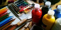 British Association of Art Therapists (BAAT) (@baat_org) / Twitter Drawing Techniques Pencil, Drawing Tutorials, Art Techniques, Pencil Drawings, Art Drawings, Charcoal Drawings, Shading Drawing, Drawing Hands, Arts And Crafts Supplies