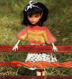 Short SWEATER for MONSTER HIGH or Azone Pure by ZomiDollClothes