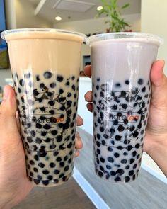 Yummy Drinks, Yummy Food, Milk Tea Recipes, Bebidas Do Starbucks, Boba Drink, Bubble Milk Tea, Think Food, Cute Desserts, Cafe Food