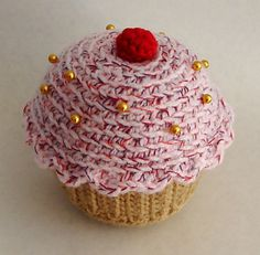 Ravelry: Cupcake Pin Cushion pattern by Bethan David - free crochet pattern