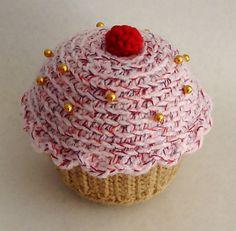 Ravelry: Cupcake Pin Cushion pattern by Bethan David - free crochet pattern