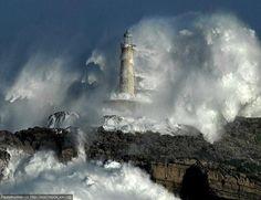 masterok: Маяки в шторм