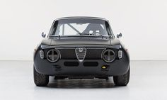interest it. — preciousandfregilethings: 1971 Alfa Romeo Guilia...