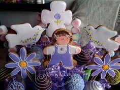 Detalle Arreglo de Cake Pops, Galletas y Masmelos para el bautizo de Juana.