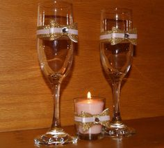 Champagne gifts and gift sets that fit your budget and occasion. Deliver a lasting impression with an elegant champagne gift basket delivery. Gold Glitter Wedding, Pink And Gold Wedding, Bling Wedding, Wedding Gifts, Champagne Gifts, Wedding Champagne Flutes, Champagne Glasses, Wedding Toasts, Votive Candle Holders