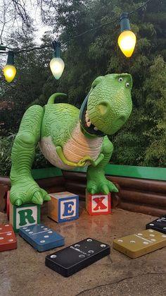 Rex is having a block party. Disney Toys, Disney Fun, Disney Magic, Disney Parks, Disney Pixar, Disney Universal Studios, Walt Disney Studios, Wallpaper Iphone Disney, Cute Disney Wallpaper