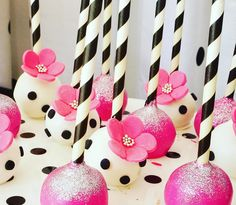 Black & White Polka Dot with Pink Flowers Kate Spade Cake Pops Kate Spade Cake, Kate Spade Party, Cake Pop Designs, Cake Pop Decorating, Baby Shower Cake Pops, Polka Dot Party, White Cupcakes, Golden Birthday, Baby Shower Flowers