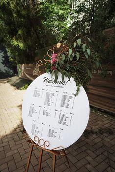 Aranjamente Florale pentru Nunti, buchete, decorațiuni. Calitate și creativitate pentru nunți și botezuri minunate! Suna-ma chiar acum! Floral Wedding, Wedding Flowers, Bucharest, Dream Wedding, Decorative Plates, Wedding Ideas, Bride, Design, Home Decor