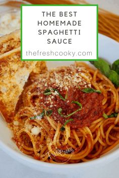 This is the best homemade spaghetti sauce. Loaded with herbs and roasted garlic. This red sauce is perfect for pasta calzones sub's with meatballs and more! A secret family recipe from my Italian grandpa's family restaurant. Best Homemade Spaghetti Sauce, Italian Spaghetti Sauce, Sauce Spaghetti, Easy Pasta Sauce, Vegetarian Spaghetti, Homemade Tomato Sauce, Spaghetti Recipes, Pasta Recipes, Cooking Recipes