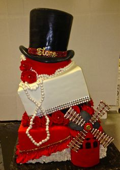 Moulin Rouge themed bachelorette party OH YESSS Fancy Cakes, Cute Cakes, Rocky Horror, 40th Birthday Cakes, Birthday Parties, Cabaret, Burlesque Party, Black Red Wedding, Candy Stand