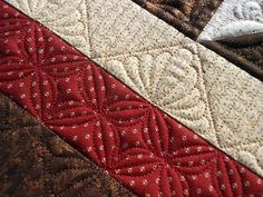 Green Fairy Quilts: pretty quilting pattern...looks hand quilted