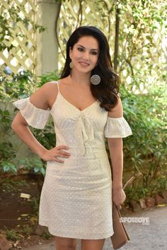 Celeb Spottings: Sunny Leone Makes For An Adorable Sight In A Cream Dress, Shraddha Kapoor-Sanya Malhotra Keep It Casual Beautiful Bollywood Actress, Most Beautiful Indian Actress, Indian Celebrities, Bollywood Celebrities, Sanya Malhotra, Shraddha Kapoor, Ranbir Kapoor, Priyanka Chopra, Deepika Padukone
