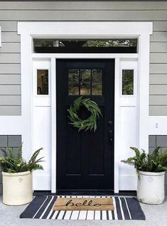 Black Exterior Doors, Black Front Doors, Exterior Door Trim, Modern Front Door, Front Door Paint Colors, Painted Front Doors, Front Door Painting, Best Front Door Colors, Front Door Porch