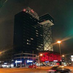 #berlin #berlinbynight #tonight #night #berlin #schöneberg #berlincity #hotel #bulding #streetlife #instaview #instagram #myberlin