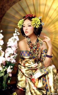 Luxury-font-b-Costume-b-font-Tang-Suit-Hanfu-Japanese-Geisha-font-b-Kimono-b-fontYou can find Japanese geisha and more on our website.Luxury-font-b-Costume-b-font-Tang-Suit-Hanfu-Japanese-Geisha-font-b-Kimono-b-font Hanfu, Cheongsam, Traditional Fashion, Traditional Dresses, Traditional Chinese, Asian Woman, Asian Girl, Sexy Costumes For Women, Beautiful Asian Women