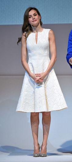 La Reina ha entregado esta mañana en Madrid los Premios Nacionales de Moda. 17.07.2017, de Carolina Herrera