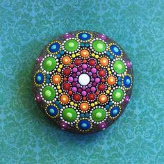 DIY Mandala Stone Patterns To Copy (20)