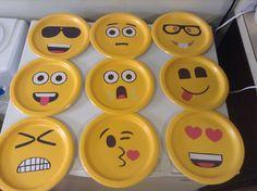Emoji Party Decoration Ideas Fresh Emoji Faces Made On Paper Plate Ideas Party Emoji, Paper Plate Crafts, Paper Plates, Emoji Room, Vip Kid, Rosalie, Emoji Faces, School Bulletin Boards, Class Decoration