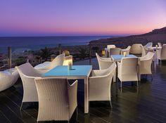 Terraza del Lobby Bar al anochecer #h10 #h10hotels #fuerteventura #costacalma #h10playaesmeralda