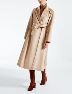 Enter the world of Max Mara: let yourself be won over by the elegance and hand-crafted quality of our collections. Purchase on-line or visit a boutique. Alpaca Coat, Wool Coat, Max Mara, A Boutique, Camel, Winter Outfits, Duster Coat, Elegant, Jackets
