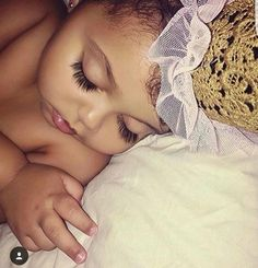 Find images and videos about baby, kids and eyelashes on We Heart It - the app to get lost in what you love. Baby Kind, Pretty Baby, Baby Love, Pretty Kids, Cute Mixed Babies, Cute Babies, Beautiful Children, Beautiful Babies, Beautiful Beautiful