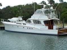 Discover different boat types and classes including popular manufacturer brands. Use Boat Trader to find out which boat or yacht is right for you. Classic Yachts For Sale, Yacht For Sale, Motor Cruiser, Sport Fishing Boats, Power Boats For Sale, Classic Wooden Boats, Old Boats, Boat Stuff, Yacht Boat