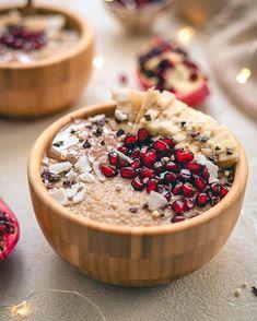 Quinoa porridge swap for oats this morning. What Is Quinoa, How To Cook Quinoa, Quinoa Porridge, Harvesting Kale, Quinoa Benefits, Roasted Cashews, Healthy Style, Canned Coconut Milk, Banana