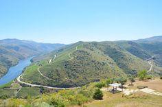 Hiken in #Portugal: De 4 mooiste natuurparken - via Food Travel Photography 02.08.2016 |  Portugal is de ultieme bestemming om je onder te dompelen in de natuur. Behalve de bekende Algarve en de Dourorivier heeft Portugal een berglandschap dat ik in eerste instantie niet bij Portugal had verwacht. En ook op een klein oppervlake is de natuur elke keer weer anders. Ik bezocht 4 wonderschone natuurparken en ik ben er nog steeds niet over uit welke nou het mooist is…
