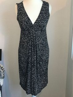 33d8fa01 Ann Taylor women Dress size M Black White gathered pleated sleeveless V  neck 17